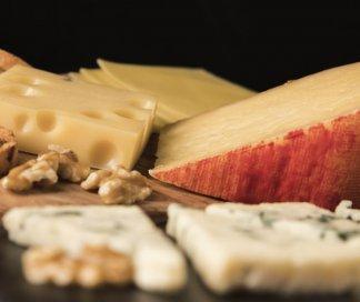 Conheça 3 tipos de vinhos para harmonizar com queijo provolone